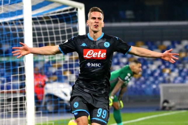 Manchester United consider move for Napoli's Arkadiusz Milik after missing out on Erling Haaland在错过了哈兰德之后,曼联考虑引进那不勒斯前锋米利克