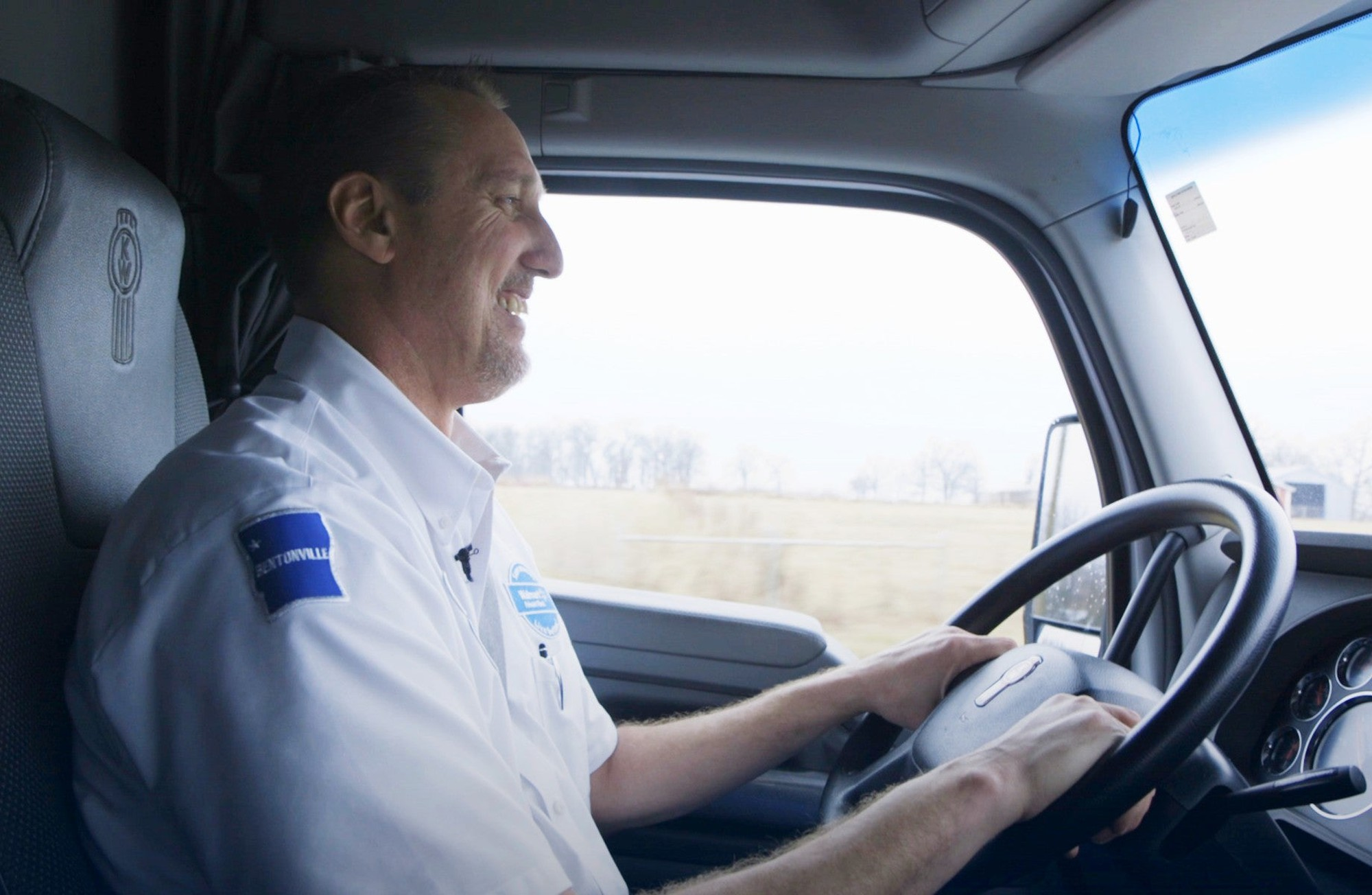 Walmart Hiring 500 More Truck Drivers to Handle Online Sales Growth沃尔玛招500多名卡车司机来处理在线销售增长
