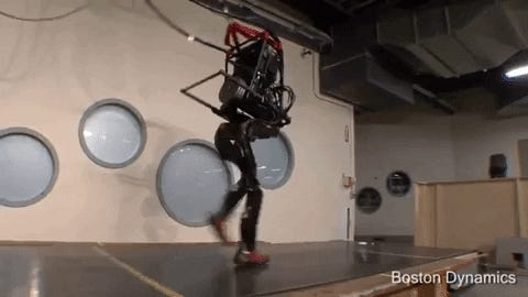 From barely walking to gymnastics routines: 10 years of Boston Dynamics robots' terrifying progress is an eye-opening look at a robot-dominated future从勉强行走到体操动作:波士顿动力公司机器人十年的可怕进步让人大开眼界,看到了机器人主宰的未来