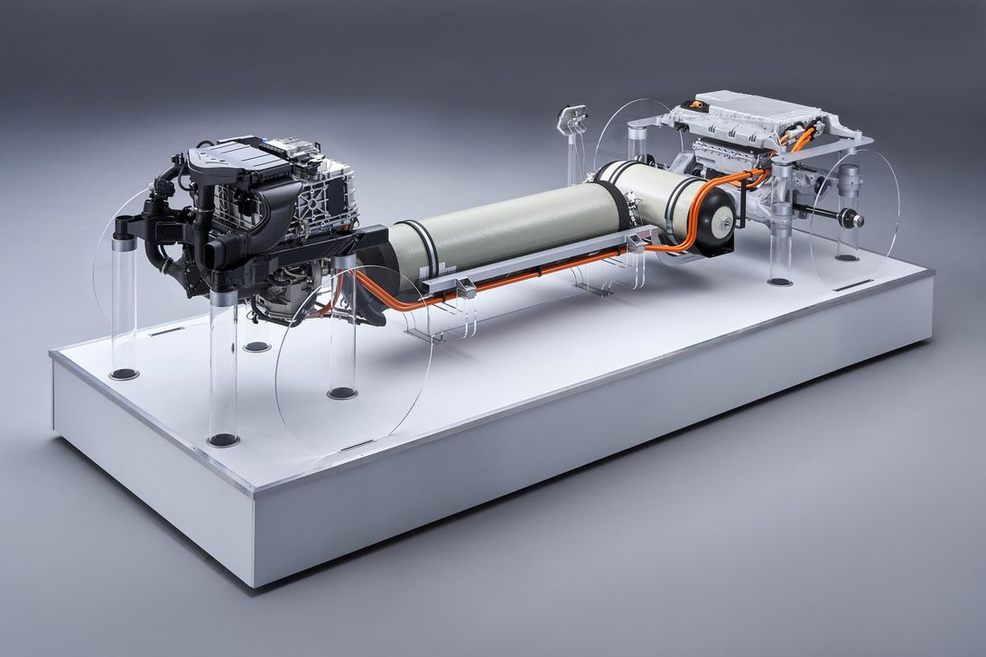 BMW has a fuel-cell powertrain in the works, and it makes decent power宝马正在研发一款动力相当不错的燃料电池动力系统