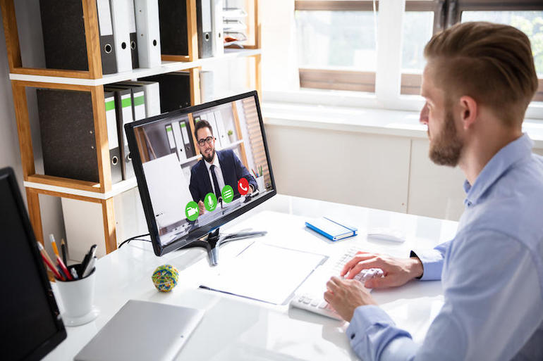 5 Zoom features to improve your virtual meetings5个改善虚拟会议的Zoom功能