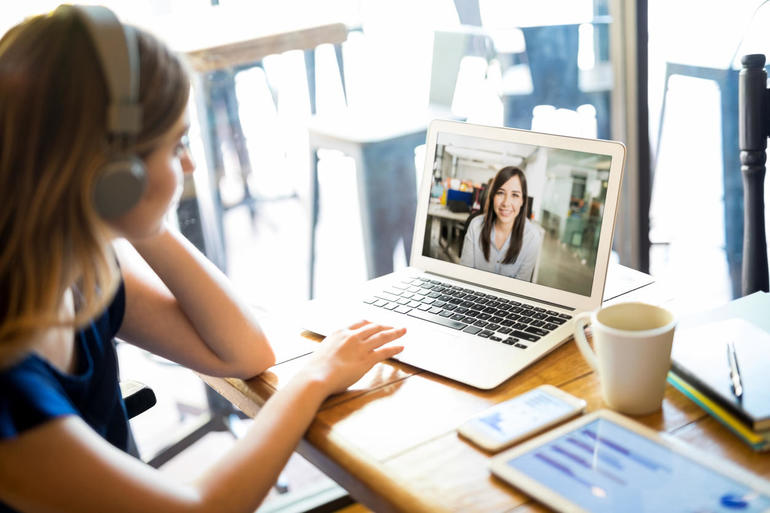 How to hire a top job candidate via video conference如何通过视频会议雇佣优秀的求职者